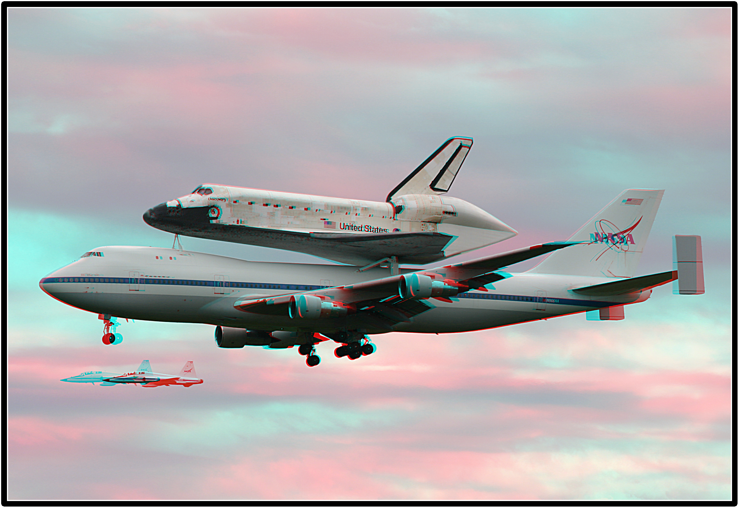 Discovery Lands at Dulles